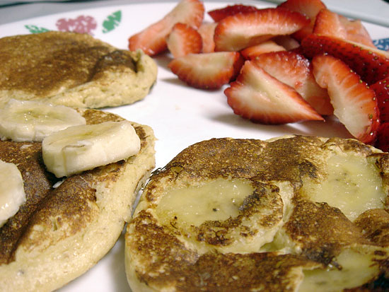 Gluten Free Pancakes and Maple Peanut Butter vegetarian peanut butter pb flavors low carb gluten free breakfast